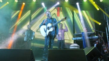 Show do cantor Paraná em tributo ao Chico Rey em Nova Odessa no Villa Lucena